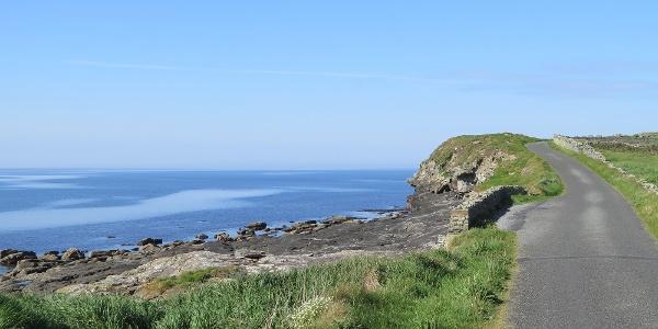 Weg zwischen Liscannor und den Cliffs of Moher