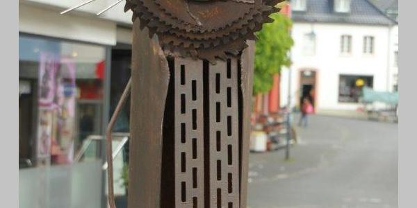 """""""Löwe"""" - Skulptur von Christine Santema"""
