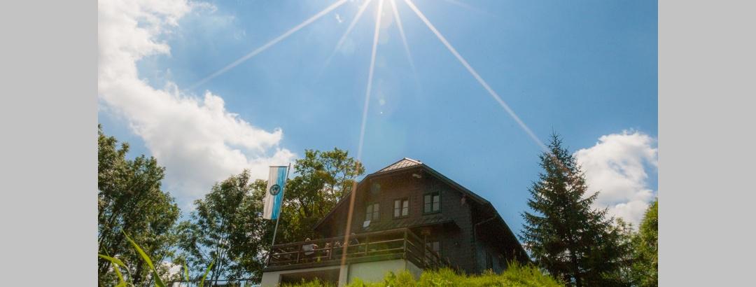 Hainfelderhütte des ÖTK, Kirchenberg 924 m, bei Hainfeld
