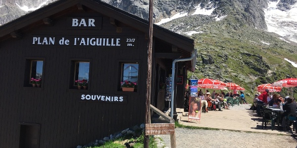 Right in front of the restaurant, take a left and follow the walking path to Montenvers.