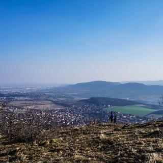 Pohľad smerom na Budapešť z vrcholu Nagy-Kevély