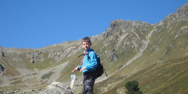 Kind am Wandern