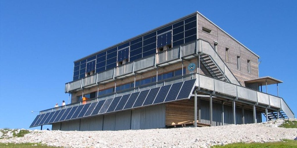 Weltweit erstes Passivhaus in hochalpiner Lage, das Schiestlhaus des ÖTK