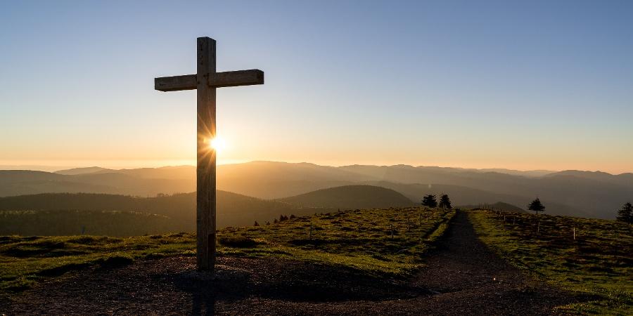 Gipfelkreuz auf dem Belchen im Schwarzwald