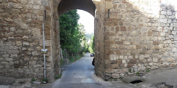 Leaving through the old gate in Montepulciano