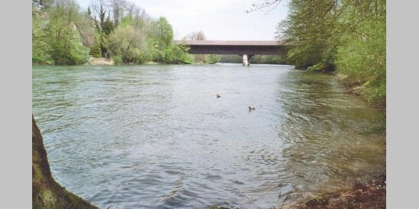 Gedeckte Holzbrücke über die Aare in Murgenthal