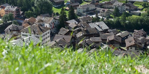 Steinplattendächer in Splügen