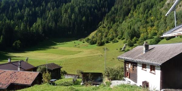 Häuschen bei der Weide