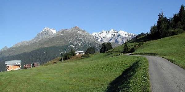 Bergstation der Sesselbahn mit Péz Dado