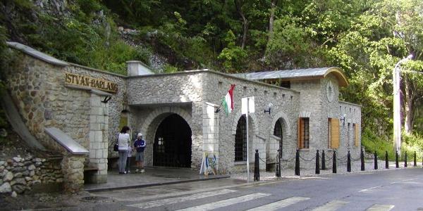 A Szent István-barlang bejárata