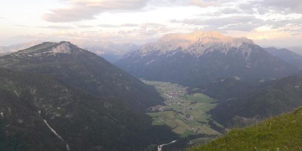 Blick zur Steinplatte, Waidring und Loferer Steinberge