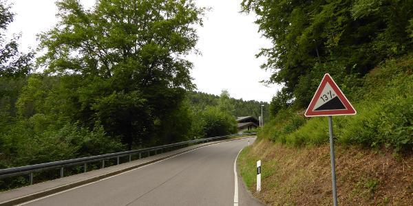 13 %-Rampe Ortseingang Kapfenhardt