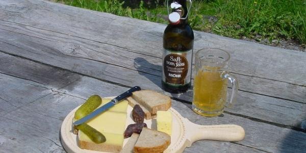Essen auf den Alpen Schrina und Tschingla