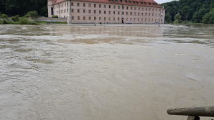 Hochwasser am Kloster Weltenburg