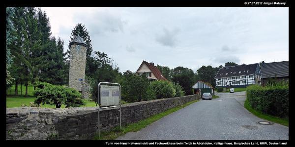 Turm von Haus Hetterscheidt und Fachwerkhaus beim Teich in Abtsküche