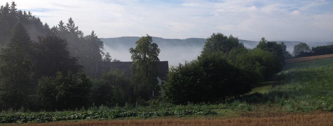 Blick auf Felder oberhalb von Brenge