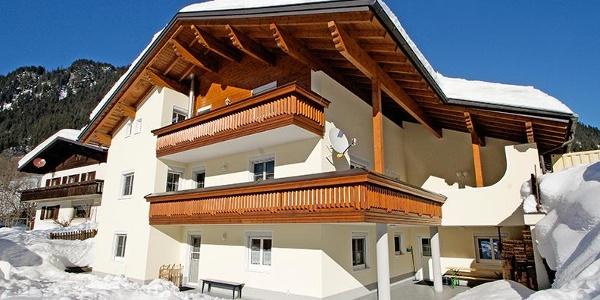 Winterfoto Haus Tschofen