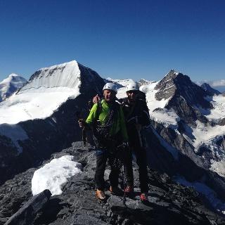 Eiger Gipfel Hintergrund Mönch und Jungfrau