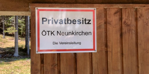 Die Alpkogelhütte ist im Privatbesitz des ÖTK-Neunkirchen nur für ÖTK-Mitglieder zugänglich
