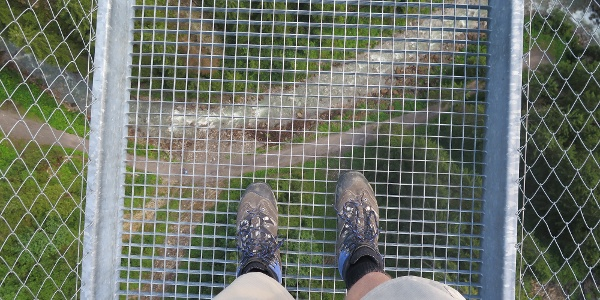 Stahlgitterrost auf der Holzgauer Hängerbrücke