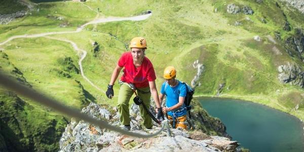 Klettersteig Hochjoch mit Blick zum Kälber- und Schwarzsee