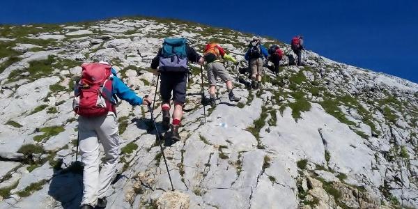 Über eine Kalkplatte zum Gipfel