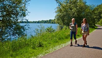 Wanderer am Vechtesee Nordhorn