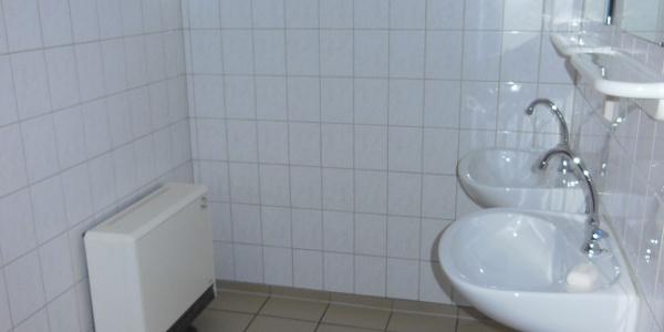 Sanitäranlage (WC, getrennte Waschräume)