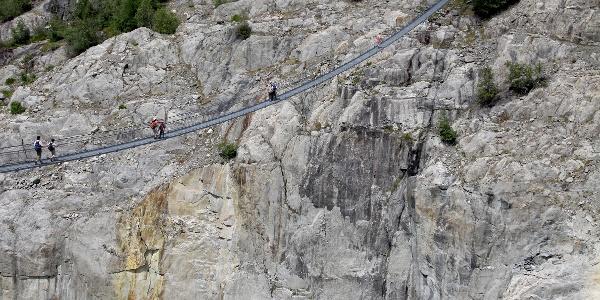 Hängebrücke über die Massaschlucht.
