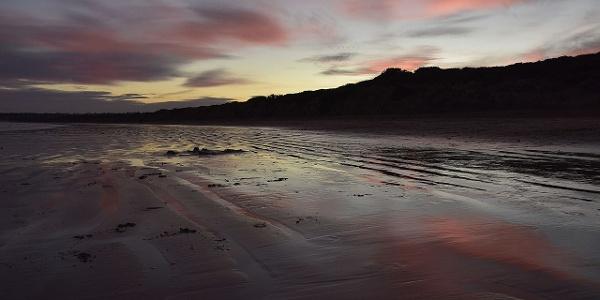 Traumhafte Kulisse: der White Beach von Torquai