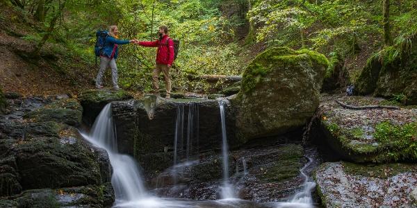 Am Wasserfall im Ehrbachtal