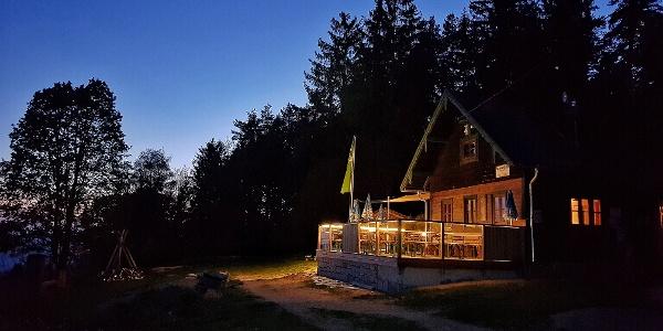 Braunberghütte in Abendstimmung