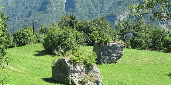 I tre grandi massi di frana nei pressi di Piccoli
