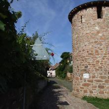 Niedernberger Turm, Einblick in die Turmgasse