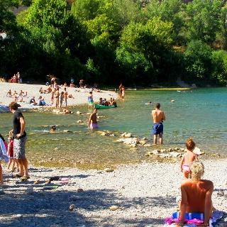 Petit lac à la sortie des gorges de l'Hérault