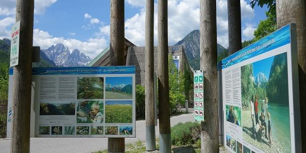 Infotafeln beim Nationalpark-Pavillon in Gstatterboden