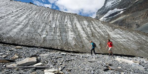 Themenweg hautnah dem Gletscher entlang