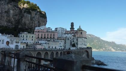 Sagenhafte Ausblicke von der Steilküste Salernos aus