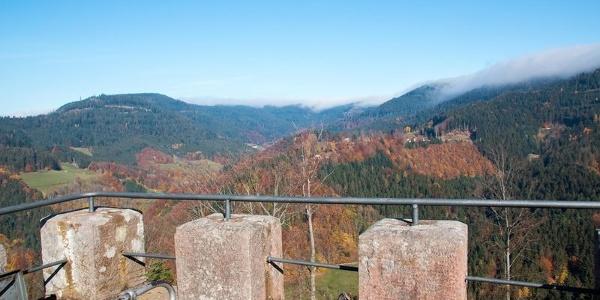Schöne Aussicht auf der Plattform des Turms