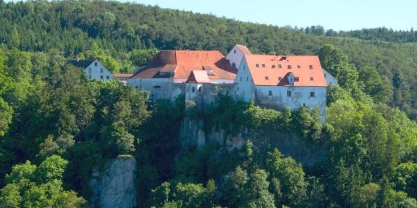 Blick vom Bandfelsen auf die Burg Wildenstein