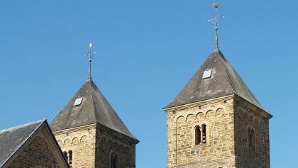 Die Türme der St. Amelbergabasliek