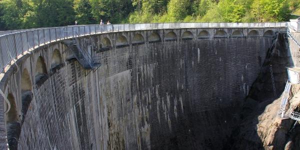 Staumauer von Montsalvens.