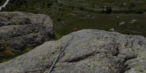 2 SL 5c relativ weite Hakenabstände 4-5m aber gut zu klettern