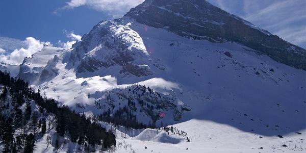 Winterwandern am Fusse des Altels.