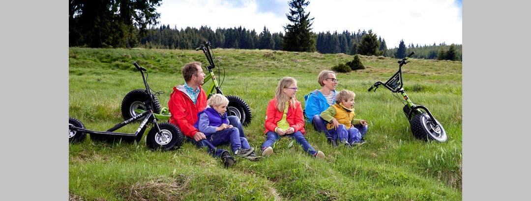 Monsterrollerausflug in Familie