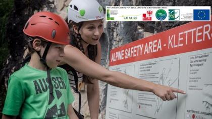 Lehrtafel Klettersteig beim der Alpine Safety Area (ASA)