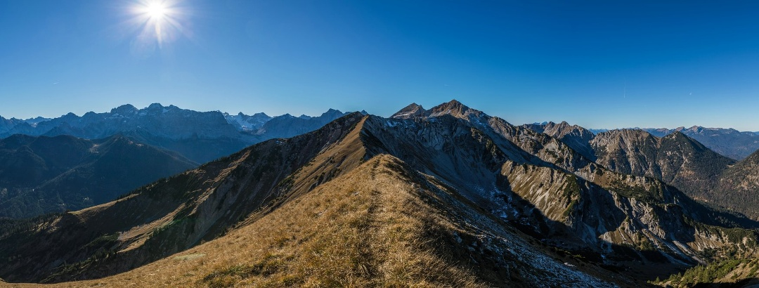 Gipfelpanorama von der Bayerkarspitze