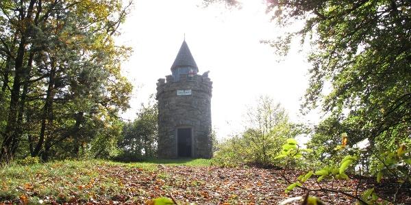 Starhembergwarte des ÖTK oberhalb der Burgruine Dürnstein