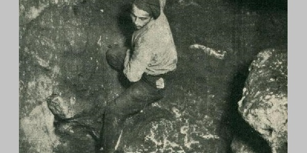 Ereszkedés a solymári Ördöglyuk-barlang Nagy-kürtőjében