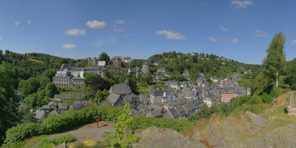 Eifelsteig Etappe 02: Roetgen - Monschau_Blick auf Monschau vom Kierberg aus